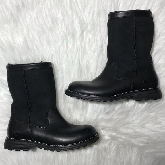 UGG Shoes | Brooks Short Boot | Poshmark
